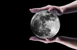 moon-139843152382Y